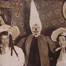 creepy_vintage_halloween_costumes_10