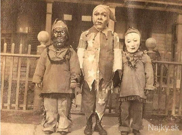 creepy_vintage_halloween_costumes_12