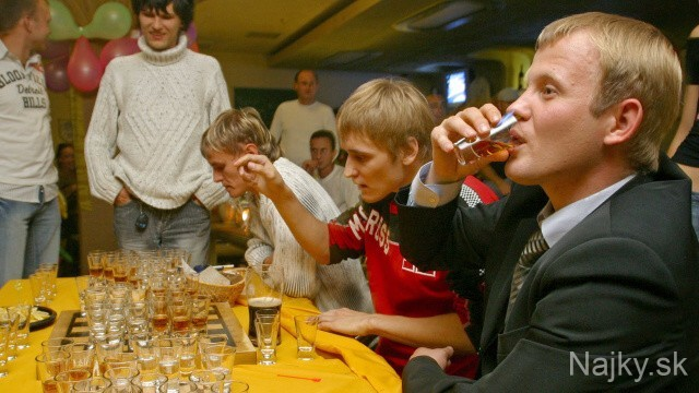 "BELARUS ""DRUNKEN"" CHECKERS"