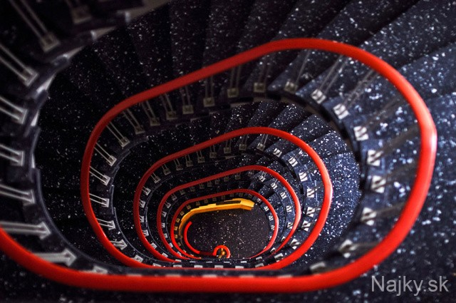 spiral-stairs-2-19_zps6458f876