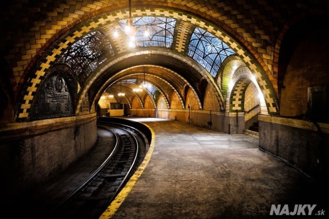 Most-Impressive-Subway-Stations-In-The-World1__880