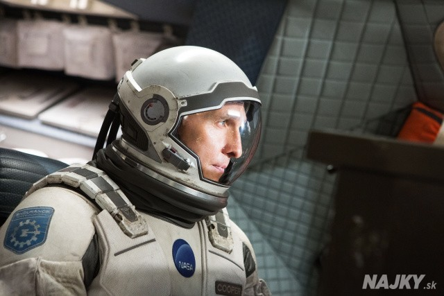 "This photo released by Paramount Pictures shows, Matthew McConaughey, in a scene from the film, '""Interstellar,"" from Paramount Pictures and Warner Brothers Pictures, in association with Legendary Pictures. (AP Photo/Paramount Pictures, Melinda Sue Gordon)"