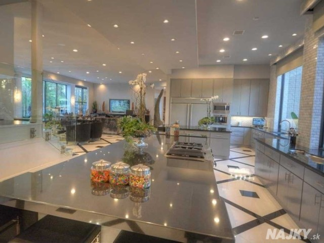 there-are-two-kitchens-in-the-house-this-one-is-the-family-kitchen