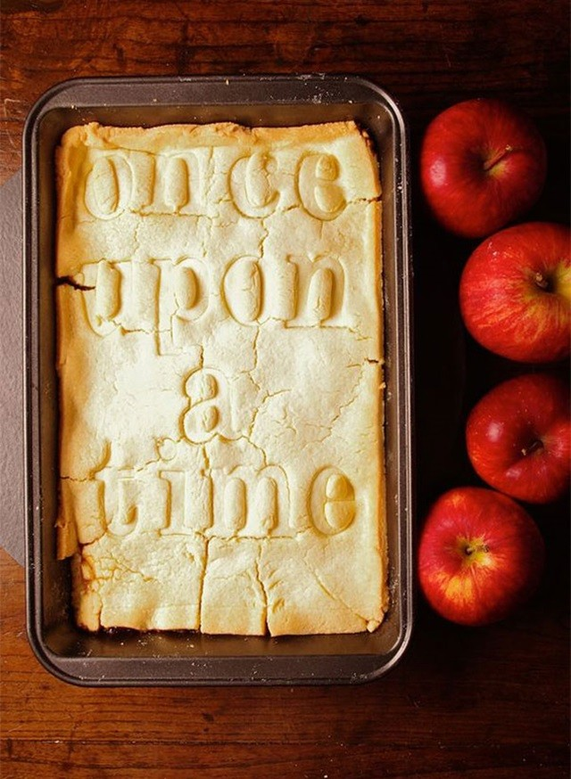 http://foodinliterature.com/gluten_free/2012/05/snow-white-once-upon-a-time-apple-tart.html