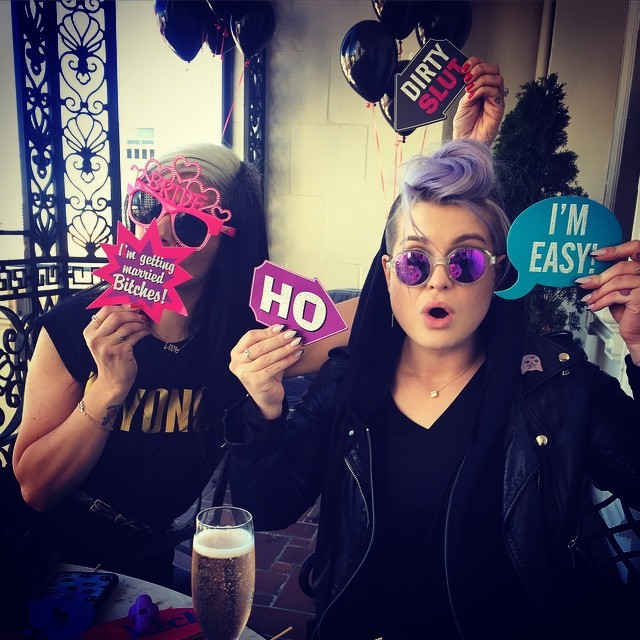 https://instagram.com/p/0v8dORgb4A/?taken-by=kellyosbourne