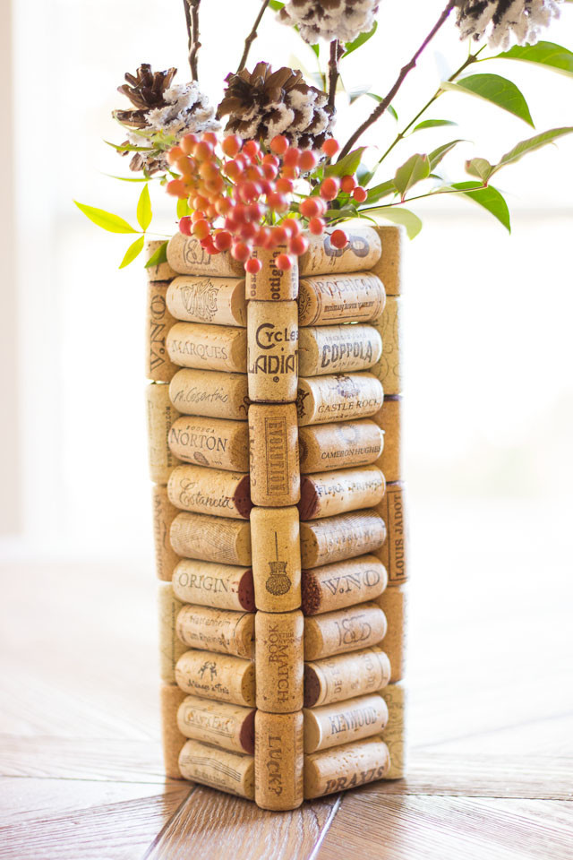 http://www.designimprovised.com/2014/11/thrifty-diy-wine-cork-vases.html