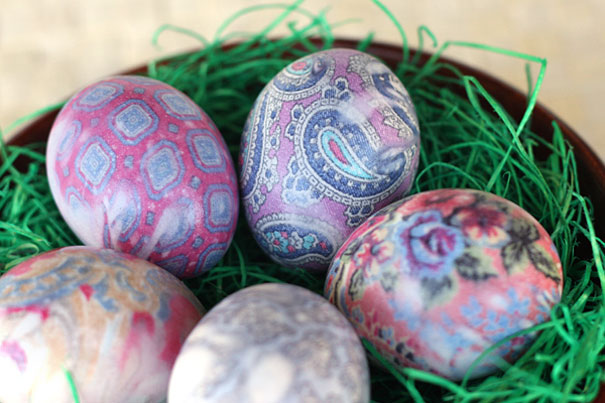 http://ourbestbites.com/2012/03/silk-dyed-eggs-aka-tie-dyed/