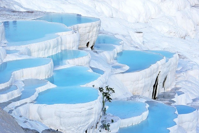 https://500px.com/photo/47887648/pamukkale-by-ahmet-%C5%9Eahin