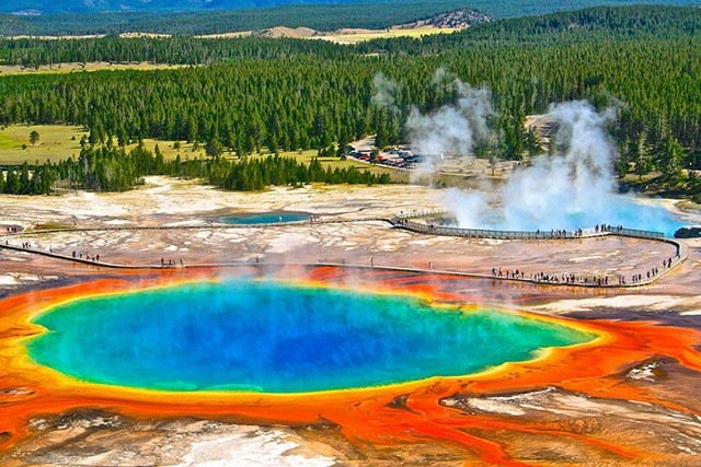 https://500px.com/photo/83814177/grand-prismatic-spring-by-heidrun-homburg?from=user