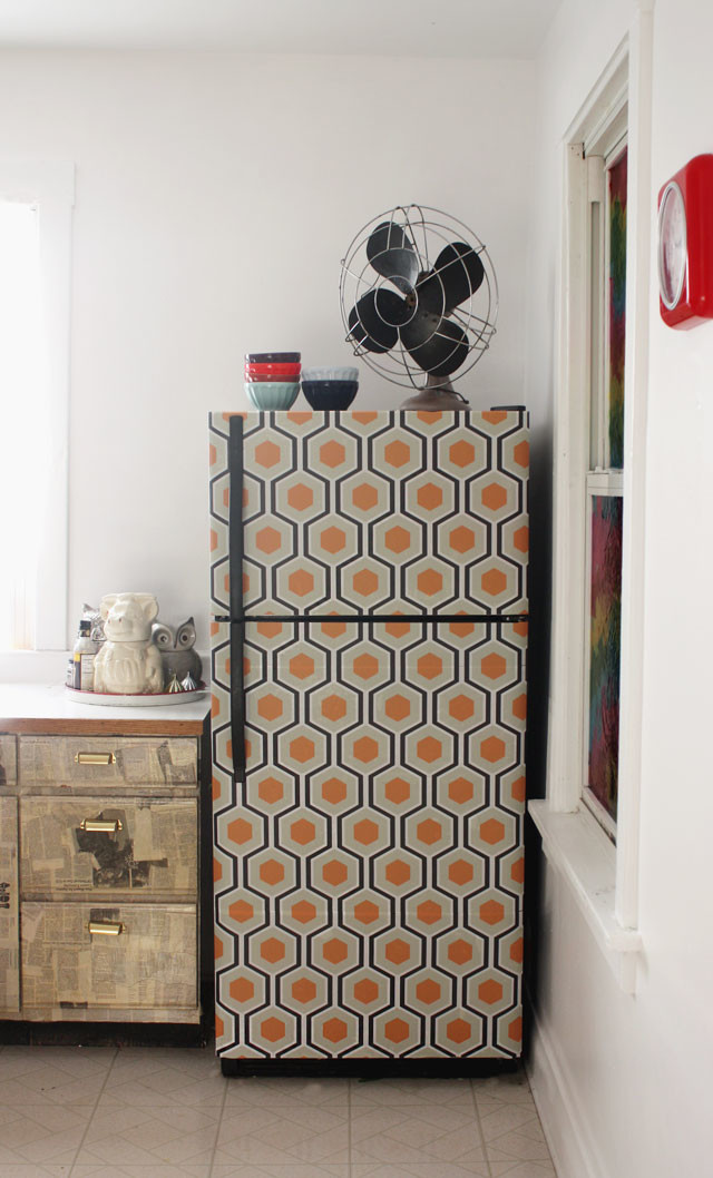 http://www.auntpeaches.com/2013/05/i-wallpapered-fridge.html