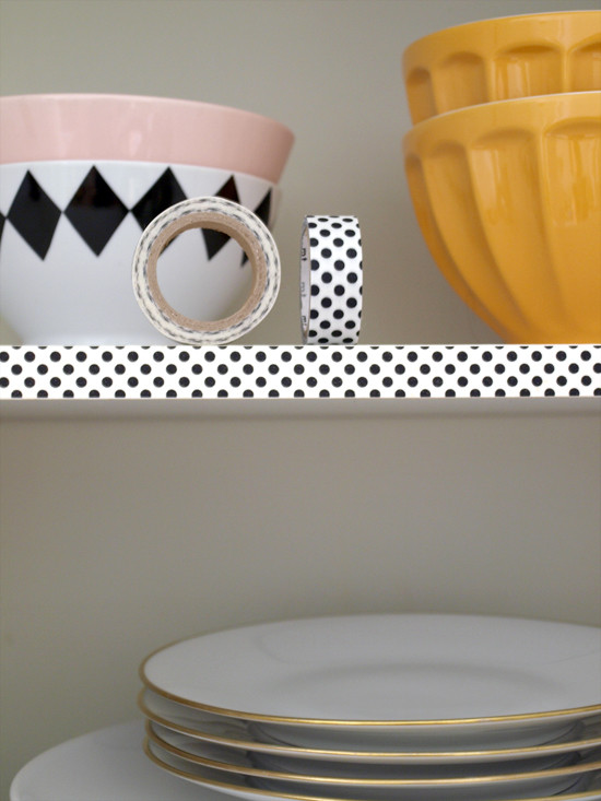 http://vorstellungvonschoen.blogspot.de/2013/08/washi-in-your-kitchen-fancy-up-your.html