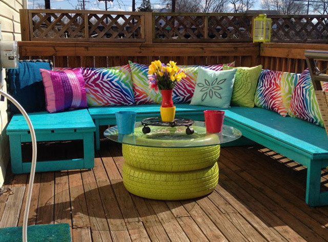 http://www.madcapfrenzy.blogspot.sk/2014/03/a-colorful-deck-seating-area-makeover.html