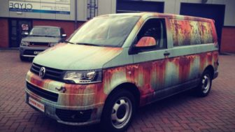 Rusty car vinyl wrap vw van clyde wraps 2 688x387_perfectphoto.cz_2017 06 2215 38 23.jpg