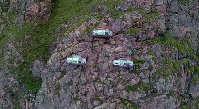 http://www.boredpanda.com/scary-see-through-suspended-pod-hotel-peru-sacred-valley/