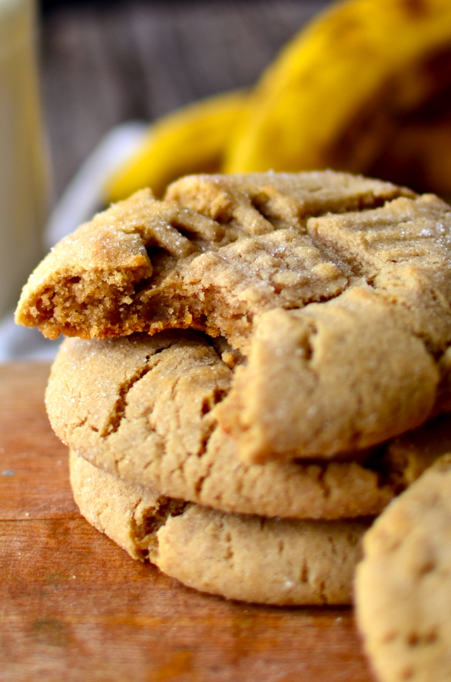 big-chewy-peanut-butter-banana-cookies5