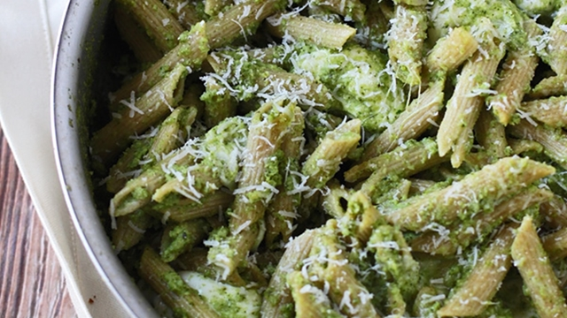 de559df36ea8c0a5_1._Cheesy-Baked-Penne-with-Broccoli-and-Spinach-Pesto-4