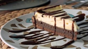 Brownie_cheesecake3 688x387_perfectphoto.cz_2017 06 21 10 51 22.jpg