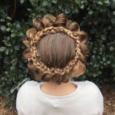 Mom braids unbelievably intricate hairstyles every morning before school 2__700.jpg