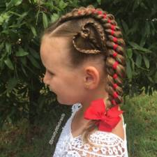 Mom braids unbelievably intricate hairstyles every morning before school 4__700.jpg