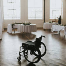 Paralyzed bride walks at wedding jaquie goncher 14 57b2ddcfbad17__880.jpg