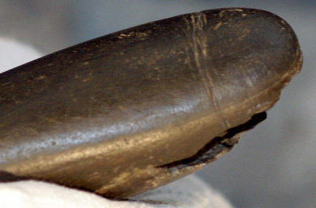http://www.huffingtonpost.co.uk/2015/01/19/stone-penis-28000-years-old_n_6499780.html