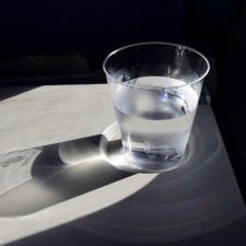A cup of water 904698_640.jpg