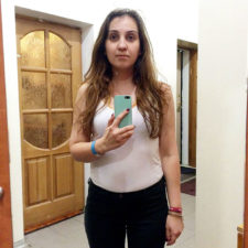 Girl different shop fitting room lighting 14 58a6f25211699__700.jpg