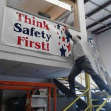 Workplace safety fails men accident waiting to happen 28 58d0f64293430__605.jpg