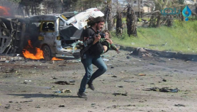 Photographer tries save boy syrian bus attack 18.jpg
