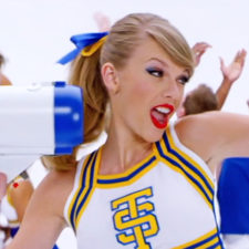 Taylor swift shake it off video 1 2014 billboard 650.jpg
