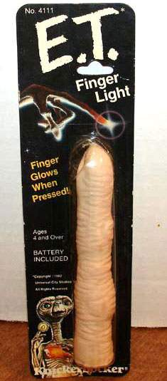 Toy et finger.jpg