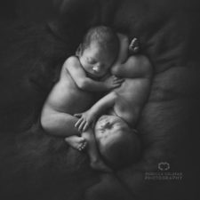 Photographer takes pictures of babies as never seen before 5922b2c56ed7a__880.jpg