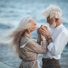 Russian photographer makes wonderful photos with an elderly couple showing that love transcends time 597104c3e5d64__880.jpg