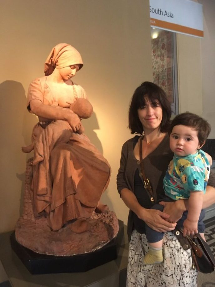 Breastfeeding mom asked cover up museum response vaguechera 1 598d4dc4a962b__700.jpg