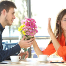 Man asking for forgiveness to his girlfriend
