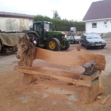 Wood chainsaw carve dragon bench igor loskutow 7 59a69c99d04da__880.jpg