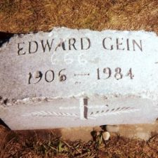 Https://commons.wikimedia.org/wiki/File:Ed_Gein_Headstone.jpg