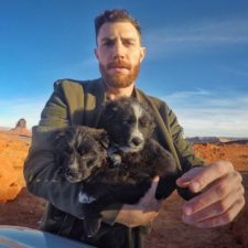 Man rescues two homeless dogs and decides to travel all over america with them 5a6e62b8954db__700.jpg