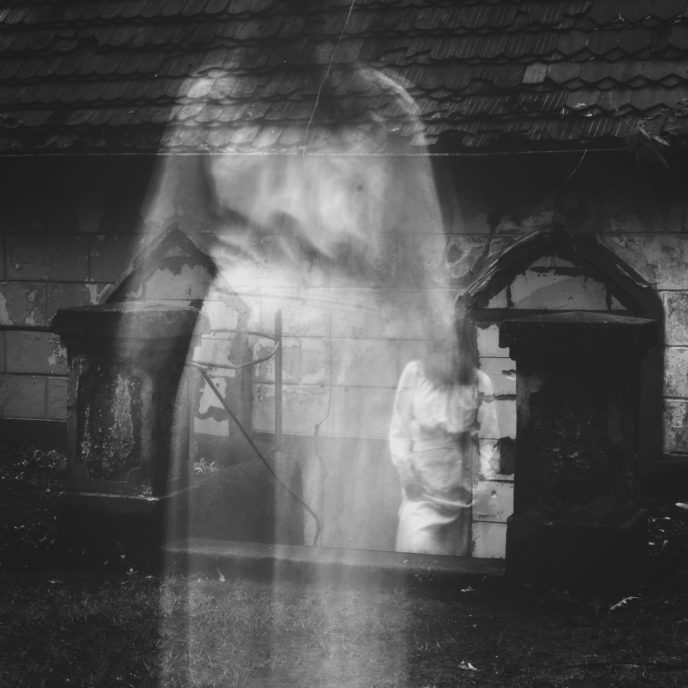 Http://maxpixel.freegreatpicture.com/Church Haunted Cemetery White Lady Spirit Spook 1887125