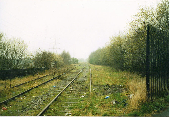 Https://upload.wikimedia.org/wikipedia/commons/thumb/0/00/Dudley_town_railway_lines.JPG/1280px Dudley_town_railway_lines.JPG