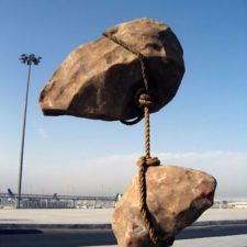 Sculptures defying gravity laws of physics 104 5a38cf32962aa__700.jpg