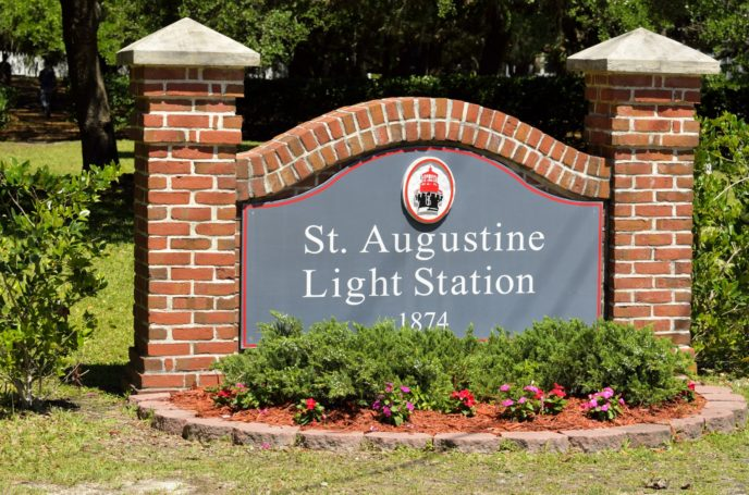 Http://www.publicdomainpictures.net/pictures/180000/velka/st augustine lighthouse sign.jpg