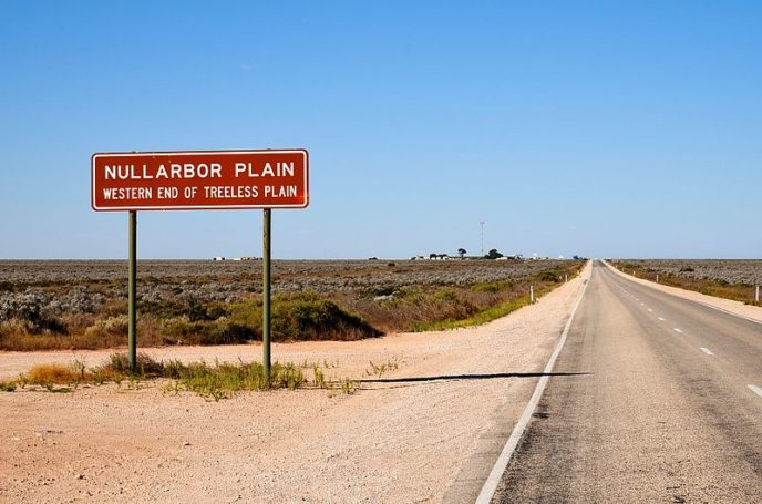 Https://commons.wikimedia.org/wiki/File:Highway_sign,_Nullarbor,_2017_(02).jpg