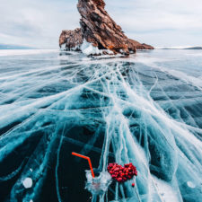 I walked on frozen baikal the deepest and oldest lake on earth to capture its otherworldly beauty again 5abcae8488cdb__880.jpg