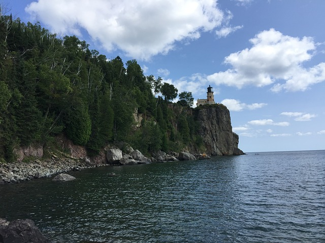 Lake superior pixabay.jpg
