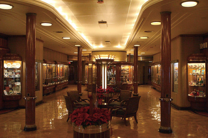 Https://commons.wikimedia.org/wiki/File:RMS_Queen_Mary_Promenade_Deck_1st_Class_Shops.jpg