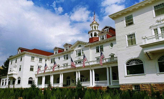 Https://commons.wikimedia.org/wiki/File:The_Stanley_Hotel,_Another_View.jpg