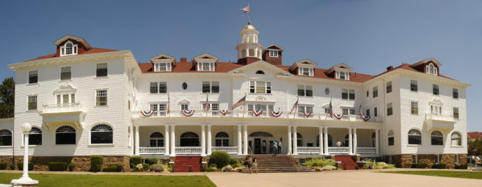 Https://upload.wikimedia.org/wikipedia/commons/3/36/Stanley_Hotel%2C_Estes_Park.jpg