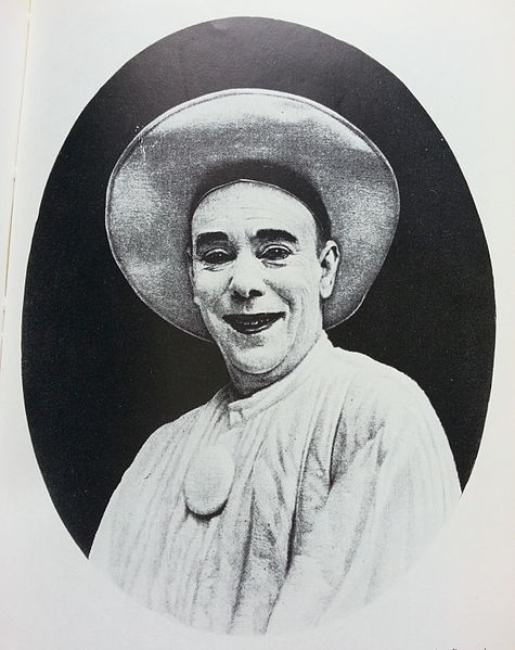 Https://commons.wikimedia.org/wiki/File:Raoul_de_Najac_as_Pierrot.jpg