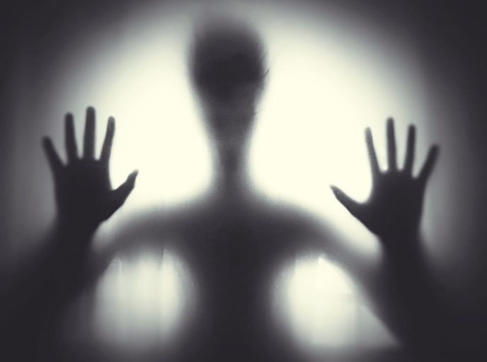 Https://www.maxpixel.net/Creepy Light Black And White Window Ghost Hand 2603731
